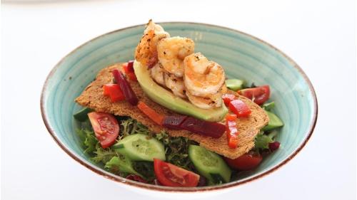 Karidesli Avokado Salata
